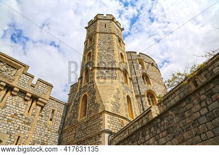 Windsor, Great Britain -may 25, 2016: Windsor Castle, King Edward Iii Tower On A Spring Day.