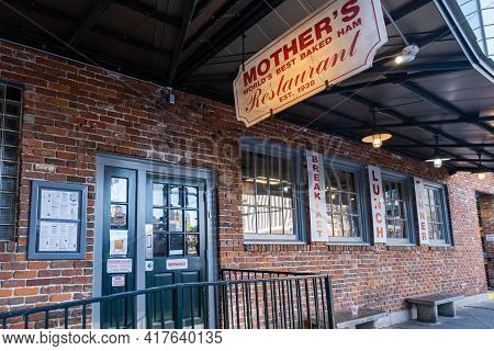 New Orleans, La - February 2: Entrance To Mother's Restaurant On Poydras Street On February 2, 2020