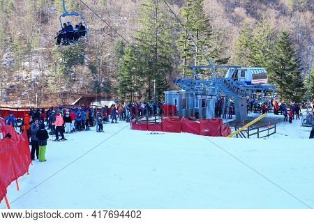 Slanic Moldova, Bacau, Romania - February 21, 2021: Lots Of People Waiting For The Chairlift To The