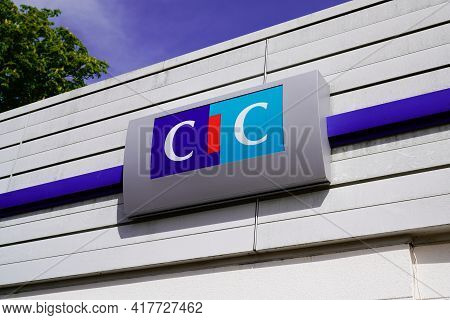Bordeaux , Aquitaine France - 04 15 2021 : Cic Logo Sign Text Of Agency Bank Office Of French Brand