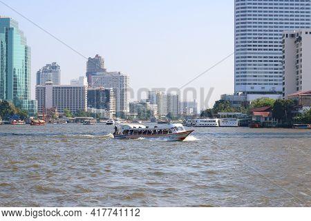 Bangkok Thailand - February 23, 2019 : The Express Boat Is Taking Passengers To Destinations Ports I