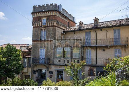 Sacro Monte (va), Italy - June 01, 2020: A Typical House Al Pilgrimage Village Of Santa Maria Del Mo
