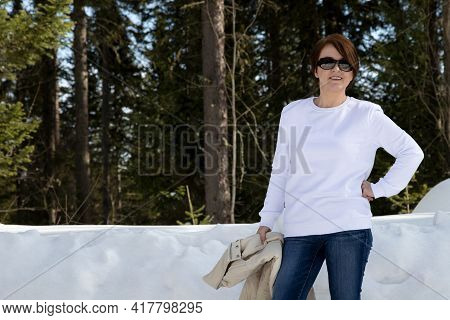 White Sweatshirt Mockup Of A Woman In The Winter Forest
