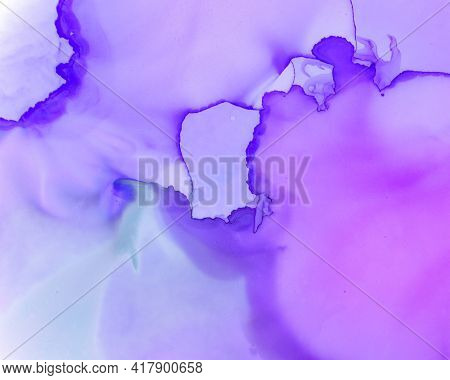 Ethereal Art Pattern. Liquid Ink Wash Wallpaper. Lilac Creative Spots Canvas. Alcohol Inks Flow Desi