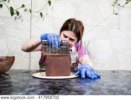 Pastry Chef Girl Makes Chocolate Cake Smeared With Ganache