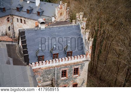 Ruins Of Horni Hrad, Medieval Hauenstejn Castle, Gothic And Renaissance Or Neo-renaissance Fragments
