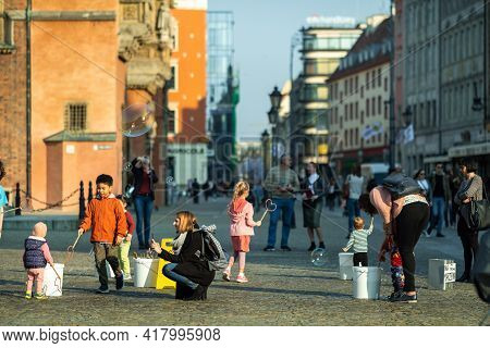 Wroclaw, Poland-april 8, 2019: View Of The Market Square In The Old Town Of Wroclaw. Wroclaw Is The