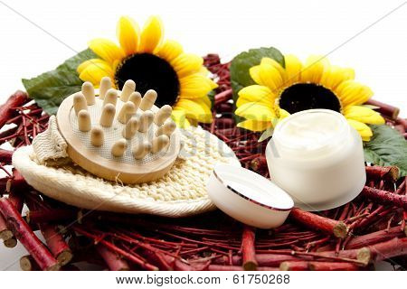 Massage brush with face cream