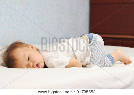 Kid Sleeping Fanny Up