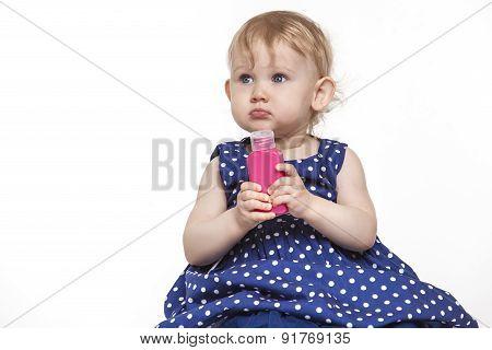 Little Girl Model Bottle With 100 Ml