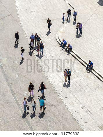 People Walk Along The Zeil In Midday  In Frankfurt