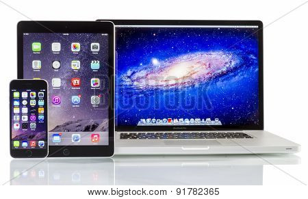 Apple Macbook Pro, Ipad Air 2 and Iphone 6