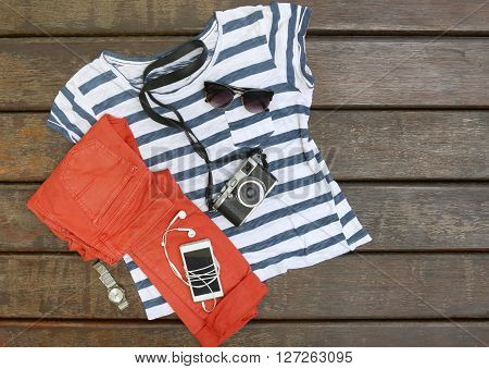 Simple summer outfit with phone in the pocket