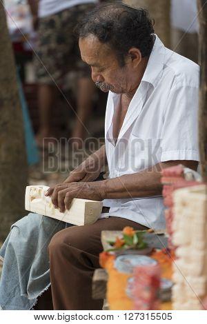 Craftsman Makes Sculptures At Chichen Itza, Mexico