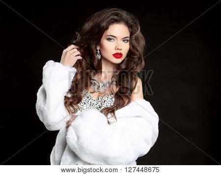 Beauty Makeup. Long Hair. Beautiful Woman In Luxury White Mink Fur Coat. Fashion Jewelry Accessories