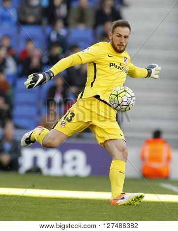 BARCELONA - APRIL, 9: Jan Oblak of Atletico Madrid during a Spanish League match against RCD Espanyol at the Power8 stadium on April 9, 2016 in Barcelona, Spain