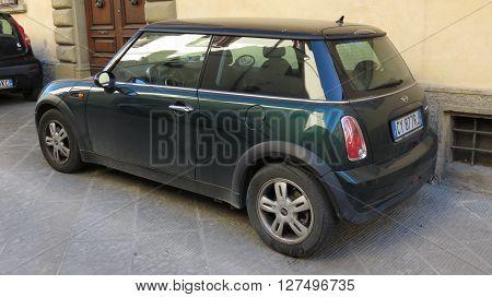 Dark Green Mini Cooper