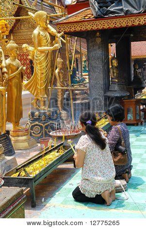 Praying thai women