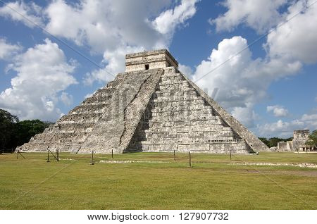 The Kukulkan Pyramid in Chichen Itza which known as