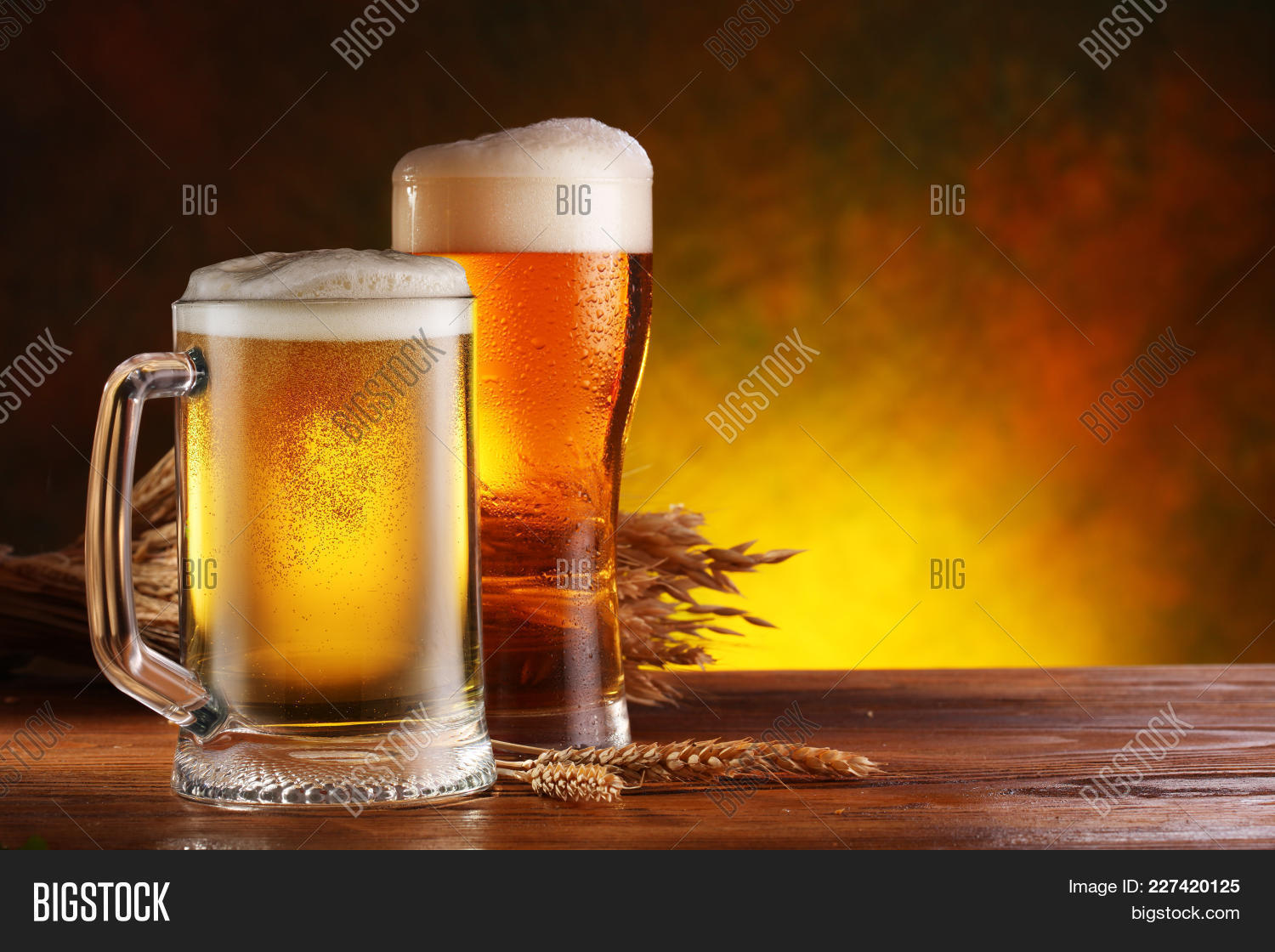 glasses of beer powerpoint template powerpoint template glasses of