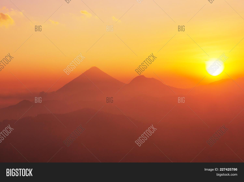 Volcanoes powerpoint template volcanoes powerpoint background y toneelgroepblik Images