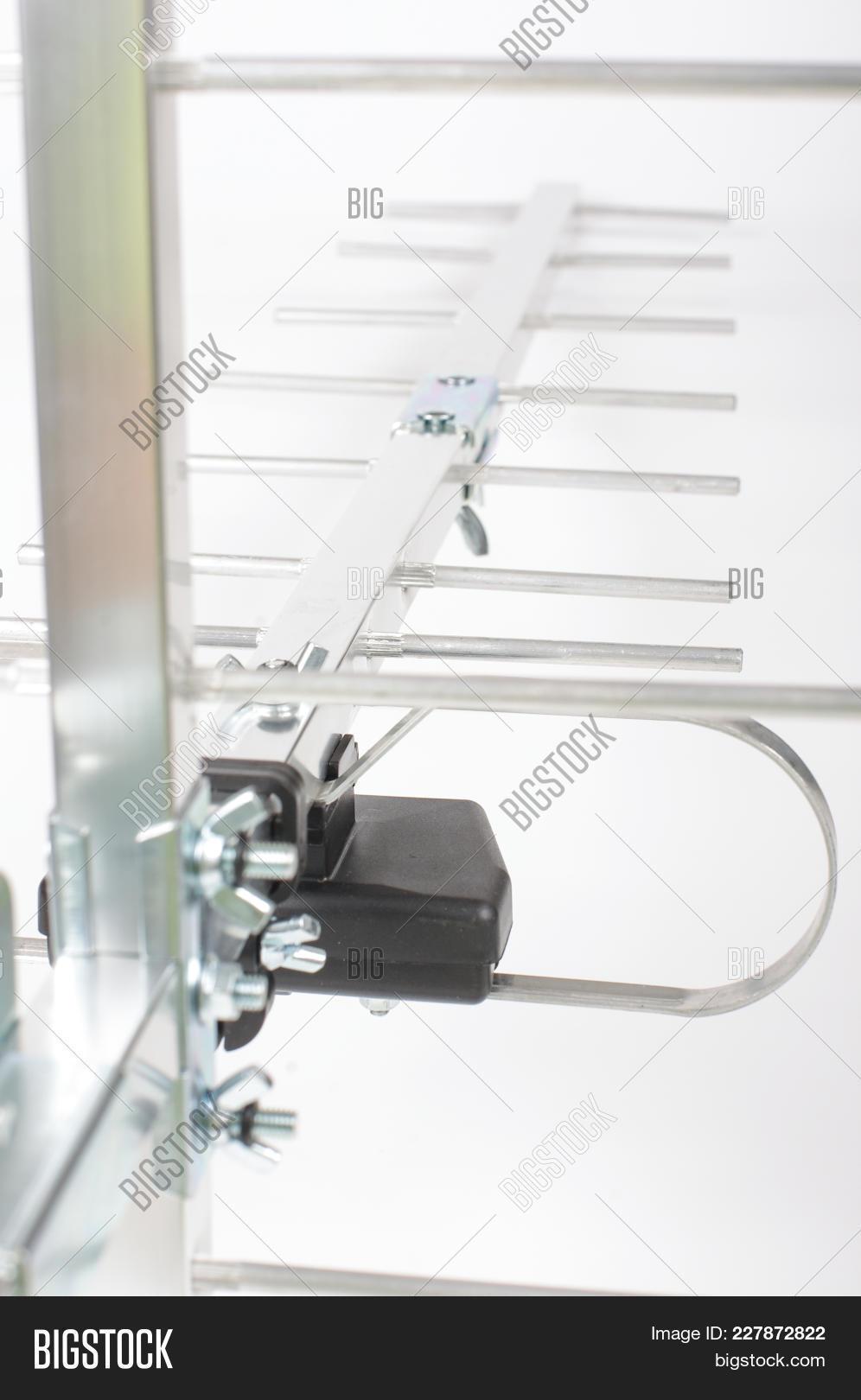 Yagi Uda Antenna Uhf Image & Photo (Free Trial) | Bigstock