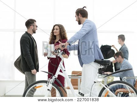 buyer receives a certificate when buying a bike