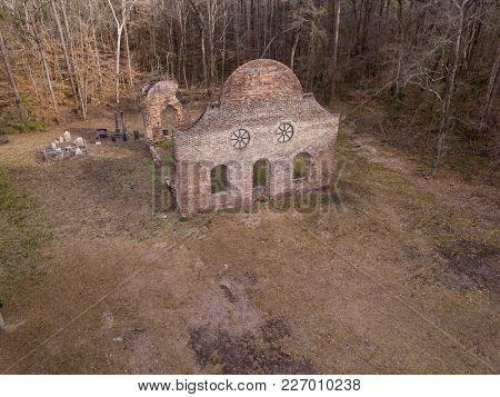 JACKSONBORO, SOUTH CAROLINA, USA-FEBRUARY 15, 2018: The ruins of the Pon Pon Chapel of Ease, built in 1820 in Jacksonboro, South Carolina. It was located on the busy stagecoach thoroughfare.