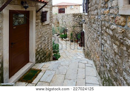 Ulcinj, Montenegro - September 9, 2017: Narrow Street In Old Town Of Popular Resort Ulcinj, Monteneg