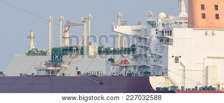 Lng Tanker- Portrait Of A Big Modern Ship