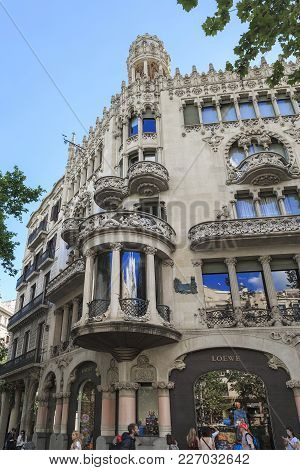 Barcelona, Spain - May 12, 2017: This Building (casa Llro I Morera) Is One Of The Masterpieces Of Th