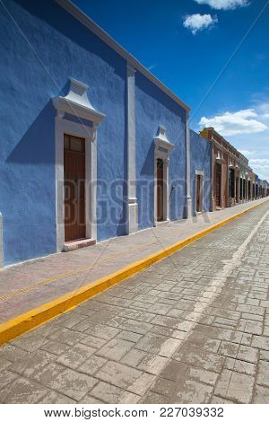 Typical Colonial Street In Campeche, Mexico. Historic Fortified Town Of Campeche - Unesco World Heri