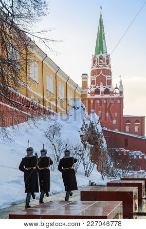 Moscow, Russia, February 01, 2018: Soldiers Are Walking Along The Kremlin Wall After Changing The Gu