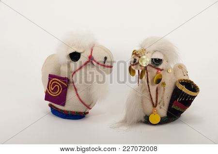 Toy Oriental Souvenir Animals Two Camels Handmade