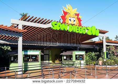 San Diego, California - February 17, 2018:  The Entrance To The San Diego Zoo Before Opening.  The Z