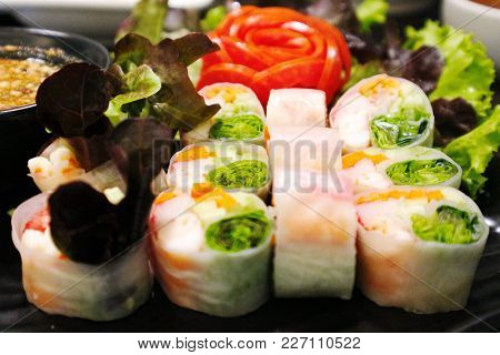 Fresh Shrimp Spring Rolls - Vietnamese Food