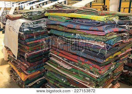 Carpet Manufacturing, Weaving Rugs Out Of Plastic Fibre