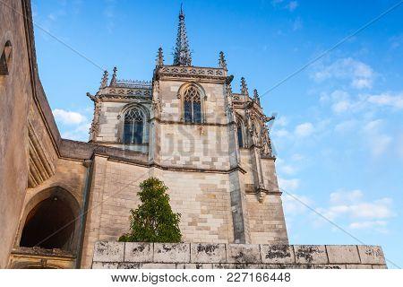 The Chapel Of Saint-hubert Where Leonardo Da Vinci Is Buried. Amboise Castle Located In The Indre-et