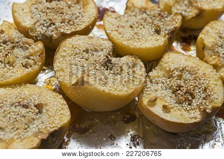 quince baked, healthy food, dietary dish vegetarian