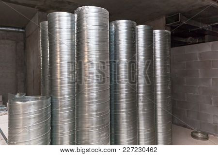 Ventilation Ducts. Many Of The Same Bent Metal Components The Air Duct. Aluminum Air Pipe For Air Du