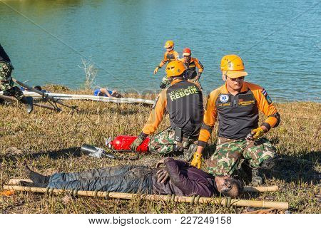Nakhon Ratchasima, Thailand - December 23, 2017: Rescue Team Preaparing To Carry Injured Passenger T