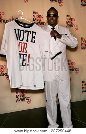 LOS ANGELES - AUG 29:  Sean 'Diddy' Combs in the press room at the Mtv Video Music Awards  on August 29, 2004 in Miami, FL.