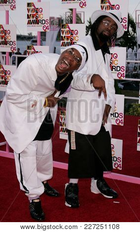 LOS ANGELES - AUG 29:  Ying Yang Twins arrives to the Mtv Video Music Awards  on August 29, 2004 in Miami, FL.
