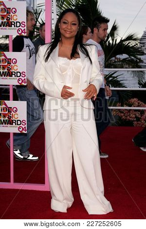 LOS ANGELES - AUG 29:  Raven Simone arrives to the Mtv Video Music Awards  on August 29, 2004 in Miami, FL.