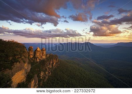 Sunset At The Three Sisters From Echo Point, Blue Mountains National Park, Nsw, Australia