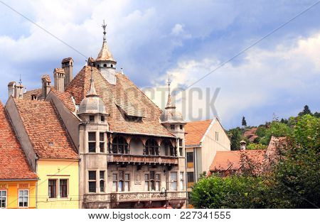 Medieval houses in fortress Sighisoara city (place of birth of Vlad Tepes Dracula), Transylvania, Romania, Europe