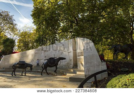 London, England - October 25 2017: The Animals In War Memorial Located On Park Lane. The Monument Co