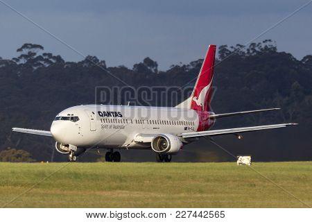 Melbourne, Australia - November 10, 2011: Qantas Boeing 737-476 Vh-tjl On The Runway At  Melbourne I