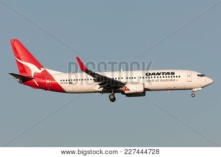Melbourne, Australia - September 25, 2011: Qantas Boeing 737-838 Vh-vxg On Approach To Land At Melbo
