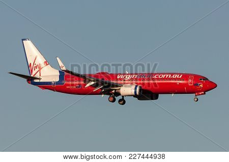 Melbourne, Australia - September 24, 2011: Virgin Blue Airlines Boeing 737-8fe Vh-vod On Approach To